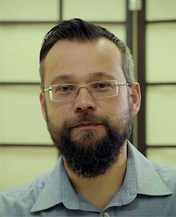Dr Okker